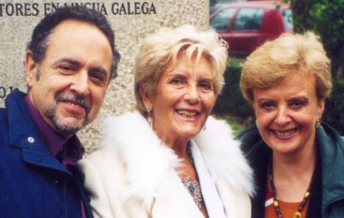 Andrés Pociña (á esquerda), con Luz Pozo e Aurora López